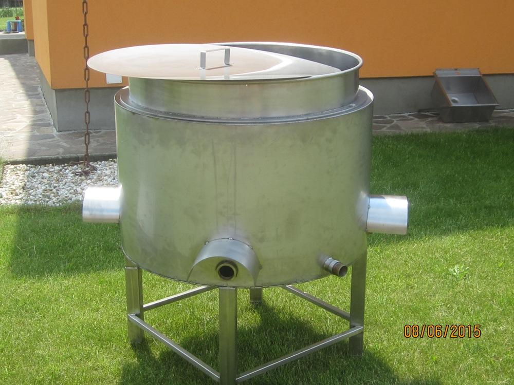 Dvojplášťová nádoba na ohrievanie mlieka