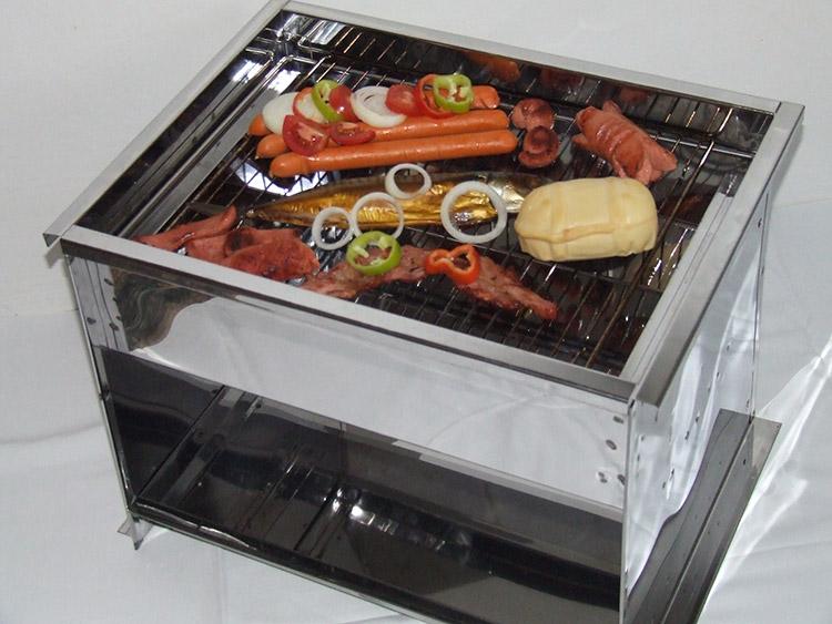 Otvorená nerezová udiareň na ryby, slaninku a syr