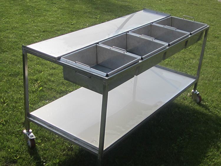 Nerezový stôl na výrobu syrových korbáčikov, nití, uzlíčkov a pod.